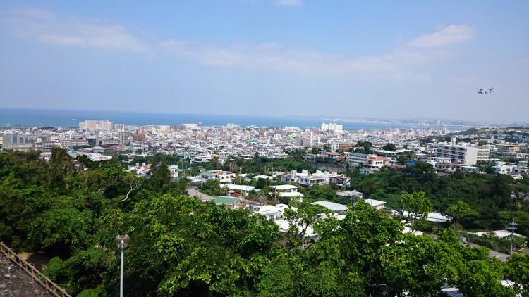 沖縄の個人墓地