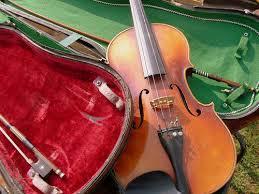 楽器バイオリン