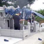 お墓のお祝いの準備風景のひとコマ