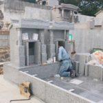 安里・宮里家のお墓の建立風景