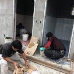 お客様専用トイレのタイル工事風景