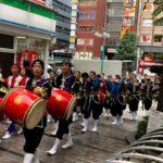第18回新宿エイサー祭りの風景のひとコマ