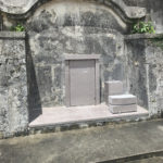 大城家様の墓蓋補修工事が完成しました。